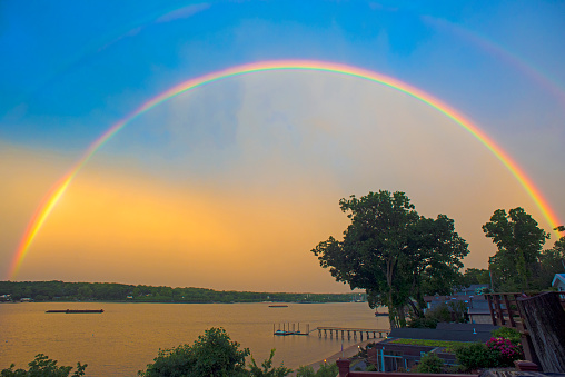 虹「Rainbow over Hempstead Bay, NY」:スマホ壁紙(14)