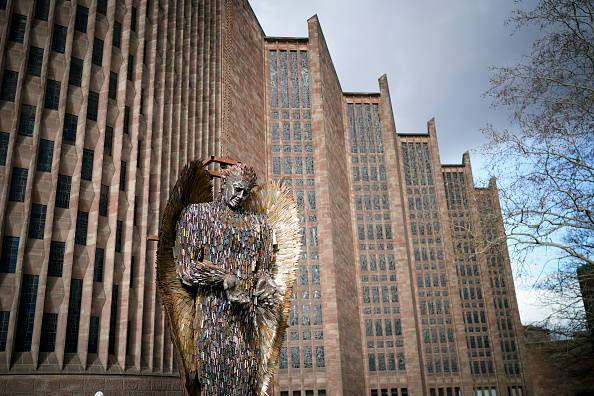 The Knife「Knife Angel Sculpture By Alfie Bradley Installed At Coventry Cathedral」:写真・画像(6)[壁紙.com]