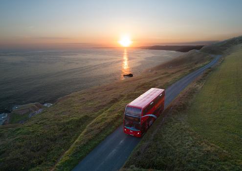Double-Decker Bus「Double decker bus on coastal road in Cornwall」:スマホ壁紙(7)