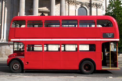 Famous Place「Double Decker bus in London」:スマホ壁紙(11)