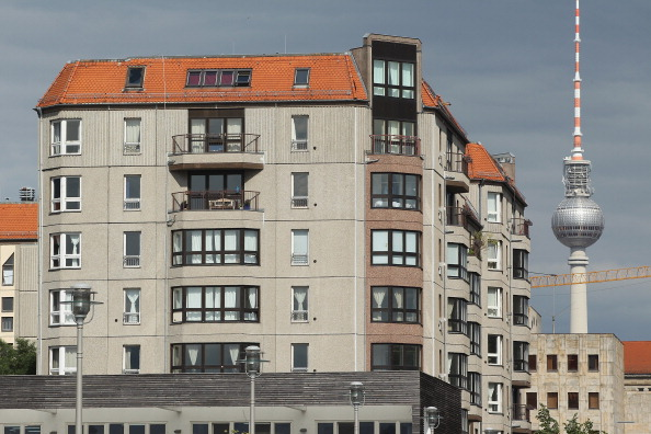 Apartment「East Berlin Landmark Apartment Building To Be Demolished」:写真・画像(19)[壁紙.com]