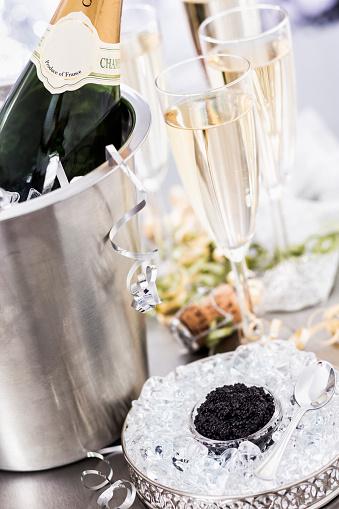 Gourmet「Caviar and Champagne」:スマホ壁紙(3)