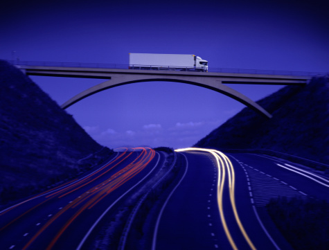 Digital Composite「Lorry crossing bridge above motorway, dusk (Digital Composite)」:スマホ壁紙(19)
