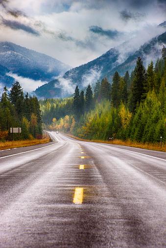 Road Marking「Highway Through Western Montana」:スマホ壁紙(16)