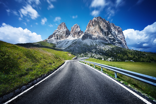 Dolomites「Highway through Dolomites valley. Northern italy.」:スマホ壁紙(5)