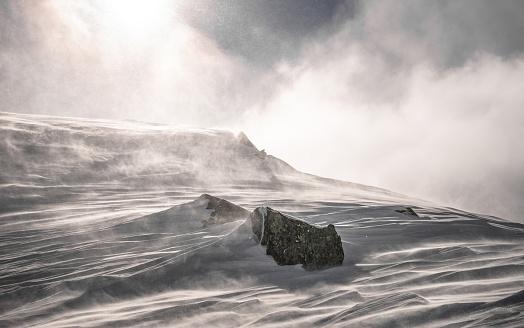 Overcast「Austria, Snow storm forming snowy landscape」:スマホ壁紙(18)