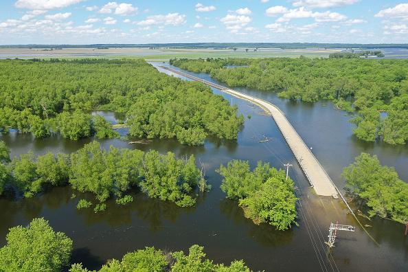 Mississippi River「Midwest Rivers Reach Major Flood Stage At Historic Levels」:写真・画像(3)[壁紙.com]