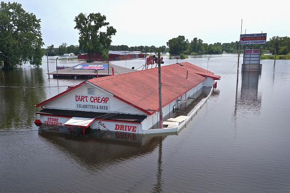 Mississippi River「Midwest Rivers Reach Major Flood Stage At Historic Levels」:写真・画像(12)[壁紙.com]