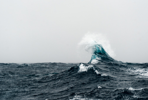 波「Large curling wave in the Southern Ocean」:スマホ壁紙(6)