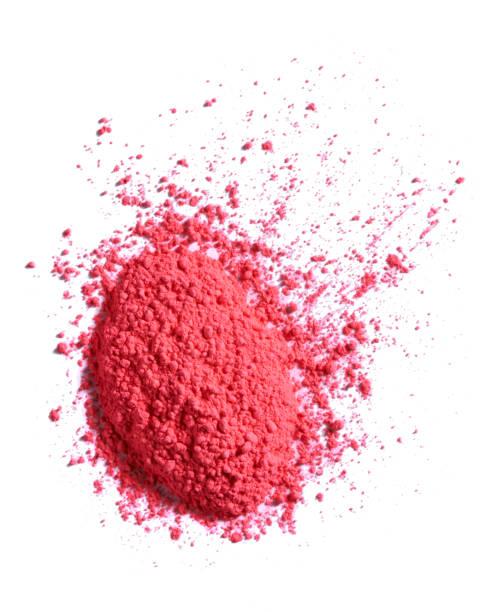An overhead cut out beauty image of a sample of pink make up powder:スマホ壁紙(壁紙.com)