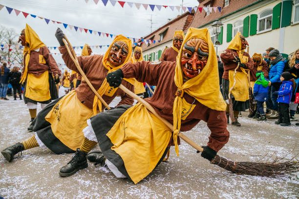Tradition「Swabian-Alemanic Carnival Season Begins」:写真・画像(5)[壁紙.com]