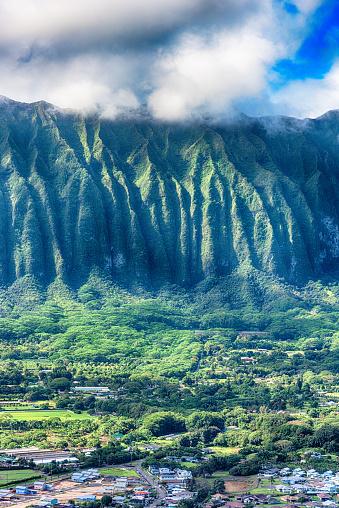 Oahu「Oahu Mountain Peak in the Clouds」:スマホ壁紙(18)