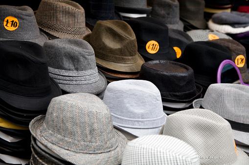 Fedora「Hats for sale」:スマホ壁紙(16)