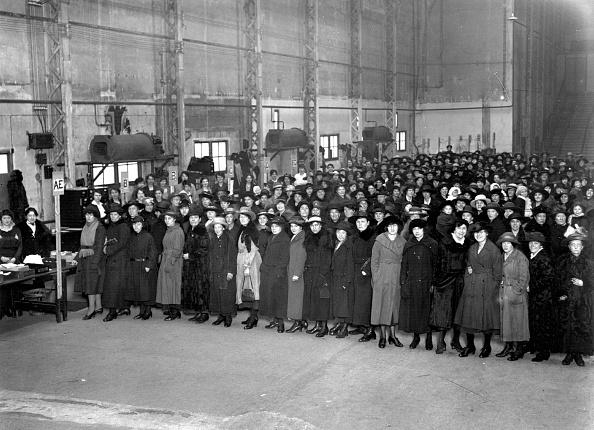Waiting In Line「Unemployment Scheme」:写真・画像(9)[壁紙.com]