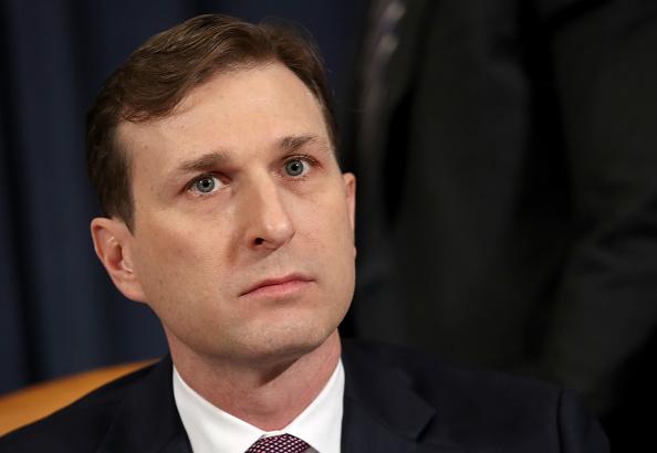 Daniel Gi「Amb. William Taylor And Deputy Assistant Secretary Of State George Kent Testify At Impeachment Hearing」:写真・画像(10)[壁紙.com]