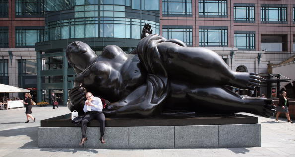 Lunch Break「City Workers Enjoy The Sunshine Despite A New 50 Per Cent Tax Announcement」:写真・画像(0)[壁紙.com]