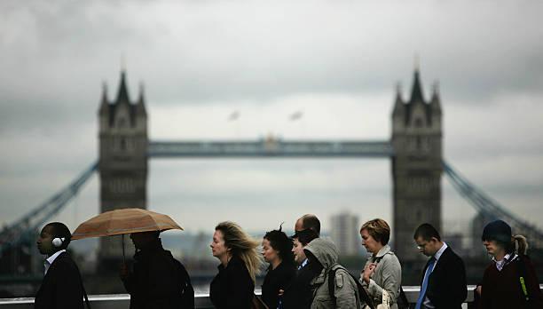 Financial Turmoil Hangs Over London's City Workers:ニュース(壁紙.com)