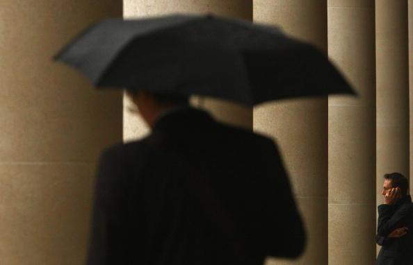 Wireless Technology「Financial Turmoil Hangs Over London's City Workers」:写真・画像(2)[壁紙.com]