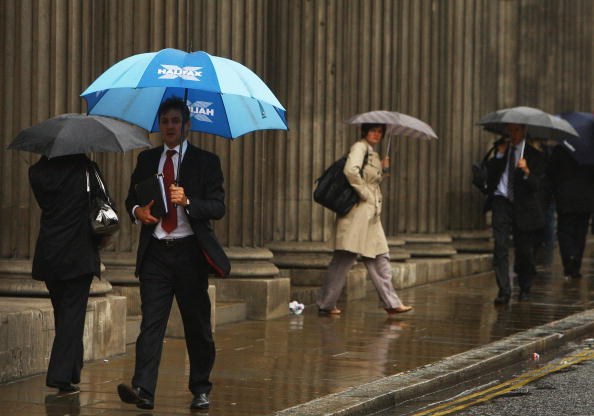 Businessman「Financial Turmoil Hangs Over London's City Workers」:写真・画像(19)[壁紙.com]