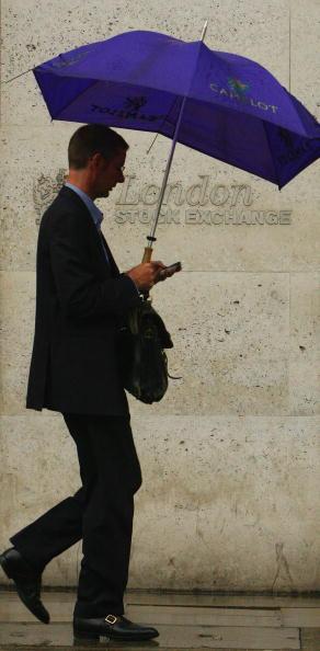 Wireless Technology「Financial Turmoil Hangs Over London's City Workers」:写真・画像(5)[壁紙.com]