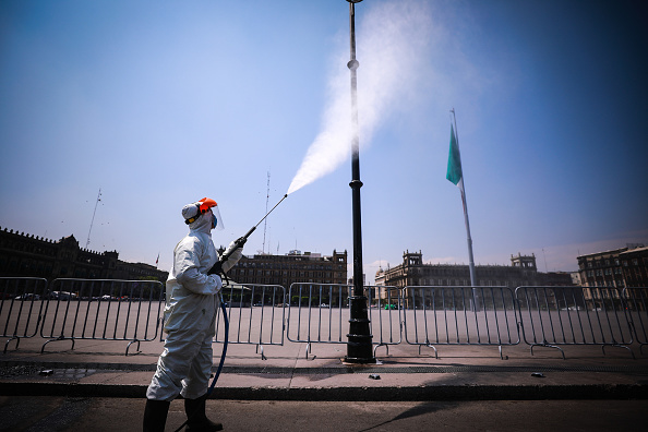 Mexico「Sanitization At Mexico City Historic Center To Halt Spread Of Coronavirus」:写真・画像(15)[壁紙.com]