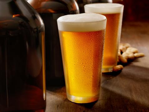 Brown「Beer Growlers」:スマホ壁紙(15)