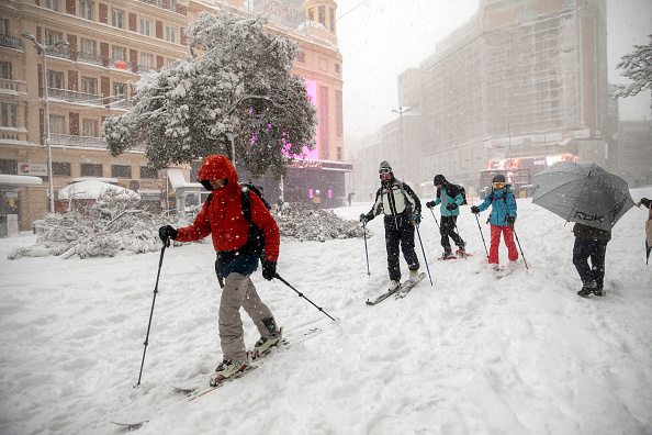 Madrid「Snow Hits Madrid As Temperatures Plummet In Spain」:写真・画像(8)[壁紙.com]