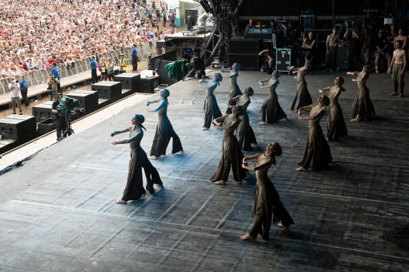 Dust「The English National Ballet Perform At The Glastonbury Festival」:写真・画像(11)[壁紙.com]