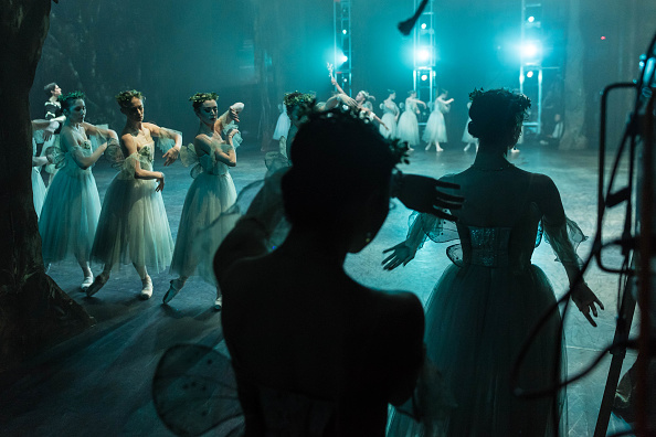 Ian Gavan「English National Ballet perform Giselle At The Coliseum」:写真・画像(1)[壁紙.com]