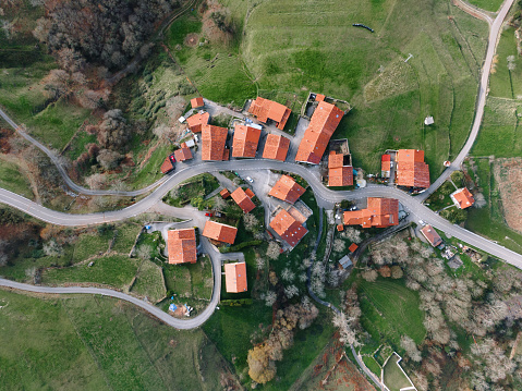 Cantabria「Village with red tile rooftops in Spain as seen from above」:スマホ壁紙(18)