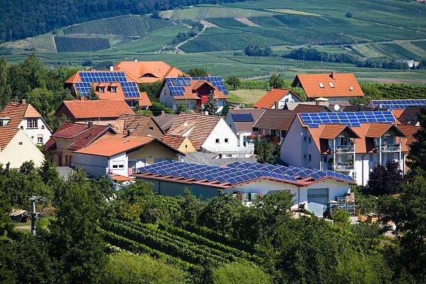 Village with Solar Panel Houses:スマホ壁紙(壁紙.com)