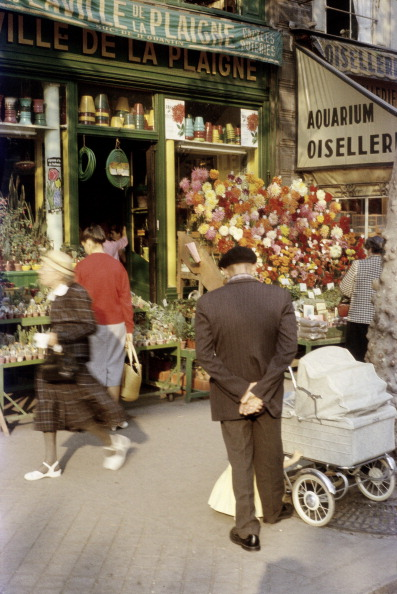 Flower Shop「A florist in Paris. Photograph. September 1958」:写真・画像(4)[壁紙.com]