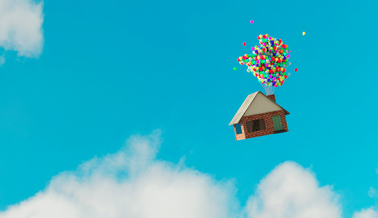 Home Ownership「House flys away up in the air thanks to helium balloons」:スマホ壁紙(7)