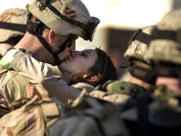 Profile View「Members Of Third Infantry Division Deploy To Iraq」:写真・画像(6)[壁紙.com]