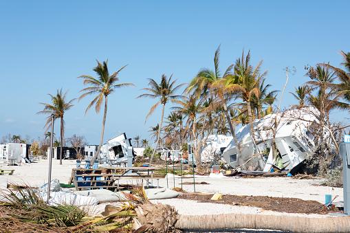 Gulf Coast States「Trashed trailer park in Big Pine Key after a hurricane」:スマホ壁紙(1)