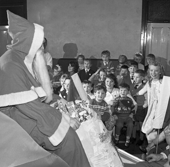 Methodist「Santa Claus at a Methodist church in Swinton, South Yorkshire, 1964. Artist: Michael Walters」:写真・画像(6)[壁紙.com]