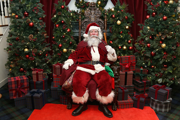 Santa Claus「Brooks Brothers Celebrates The Holidays With St. Jude Children's Research Hospital」:写真・画像(1)[壁紙.com]