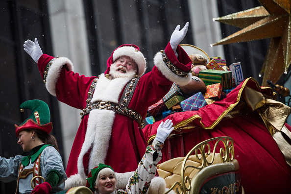 Santa Claus「Annual Macy's Thanksgiving Day Parade Delights Spectators In NYC」:写真・画像(0)[壁紙.com]