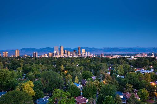 Mountain Range「Denver Skyline, Neighborhoods,Front Range, Rocky Mountains, Colorado」:スマホ壁紙(11)