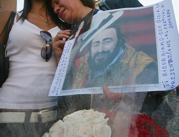 Franco Origlia「Funeral Takes Place For Opera Star Luciano Pavarotti」:写真・画像(2)[壁紙.com]