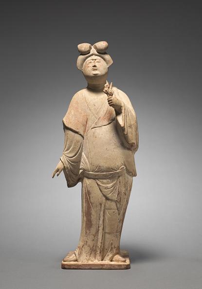 Sculpture「Woman Holding Plum Blossoms」:写真・画像(13)[壁紙.com]