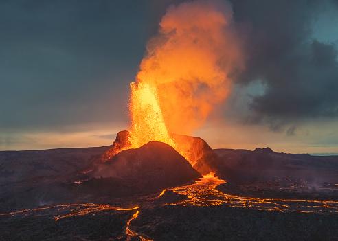 Volcano「Volcanic eruption in Iceland」:スマホ壁紙(16)