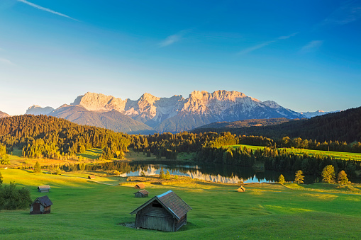 Chalet「Geroldsee at sunset, Garmisch Patenkirchen, Alps」:スマホ壁紙(13)