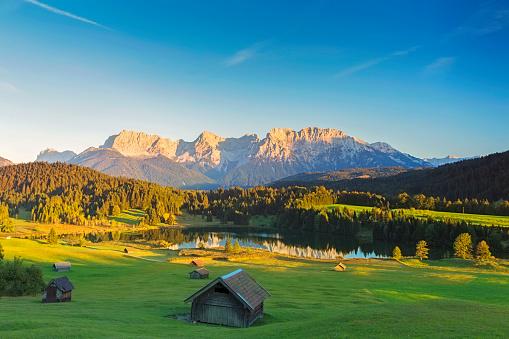 Chalet「Geroldsee at sunset, Garmisch Patenkirchen, Alps」:スマホ壁紙(1)