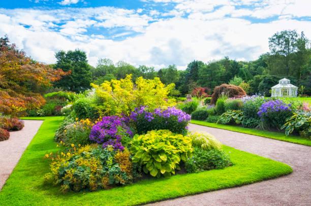 Beautiful Garden:スマホ壁紙(壁紙.com)