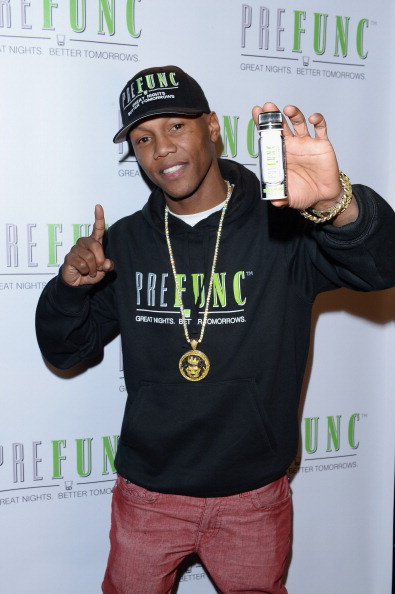 Zab Judah「Brownie Brittle and Prefunc Present NFL Playoff Party at Rock & Reilly's - 2014 Park City」:写真・画像(10)[壁紙.com]