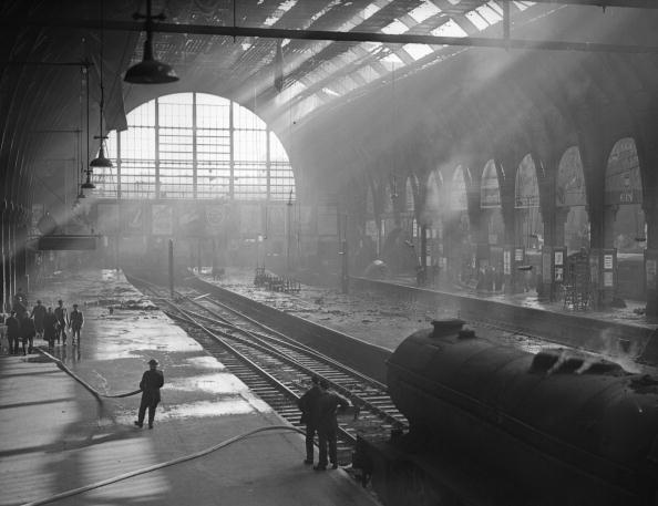 Railroad Station「King's Cross Fire」:写真・画像(17)[壁紙.com]
