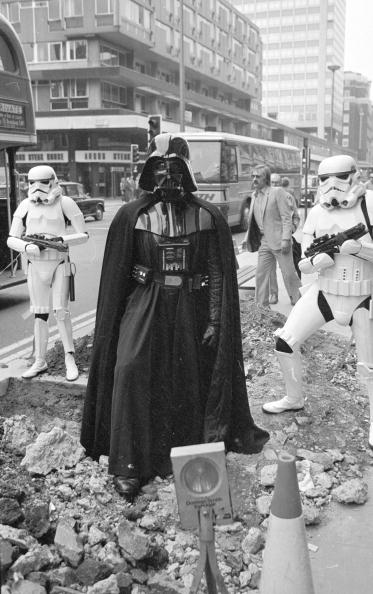 Oxford Street - London「Darth Vader」:写真・画像(15)[壁紙.com]