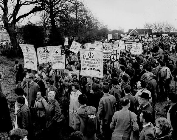 Organized Group「CND Demonstration」:写真・画像(9)[壁紙.com]