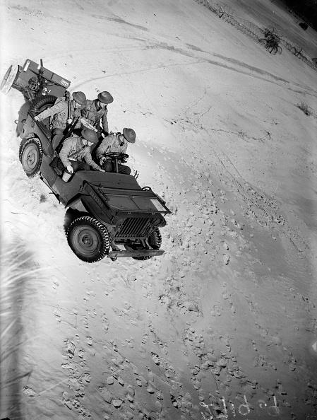 Land Vehicle「Army Exercises」:写真・画像(8)[壁紙.com]